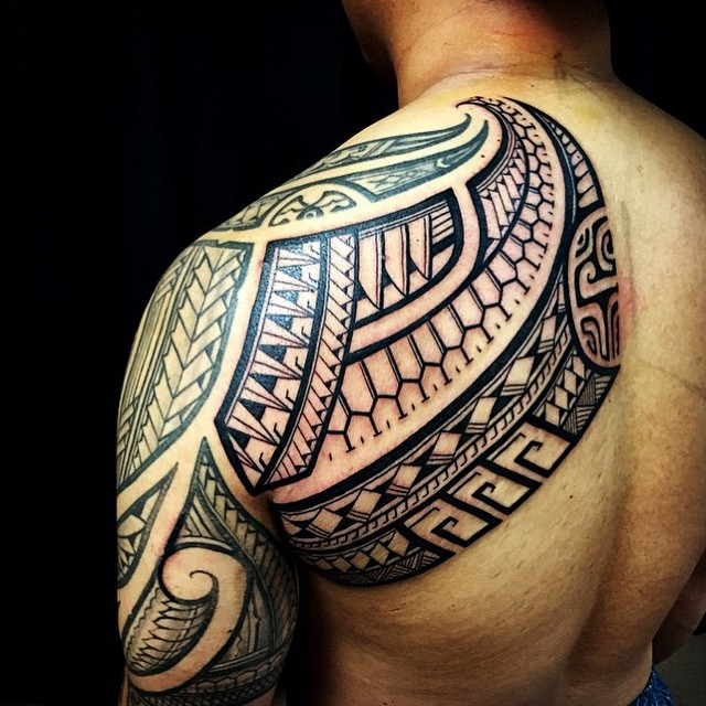 f16ca0441 Tribal Tattoos: 27 Amazing Designs We Found on Instagram